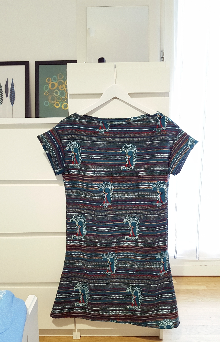 5aebff5acf4a Pin It Come fare un vestito partendo dal cartamodello di una t-shirt