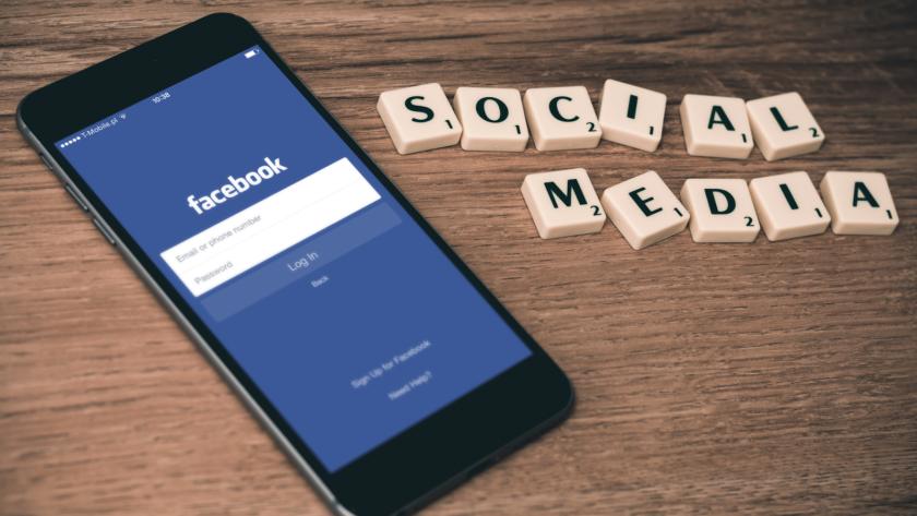 Laboratorio di stile su Facebook