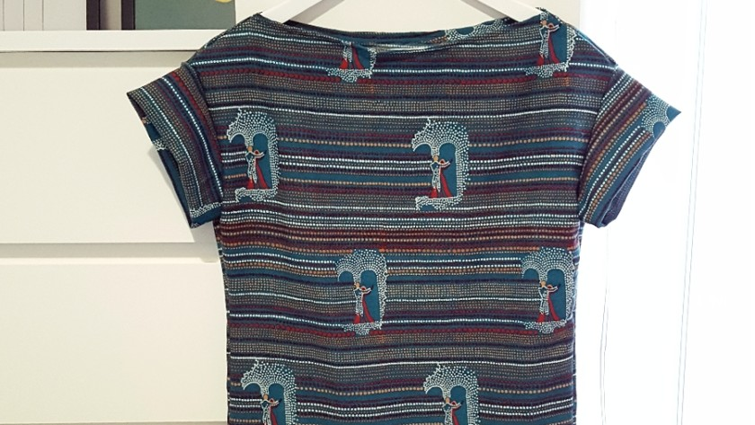 Come fare un vestito partendo dal cartamodello di una t-shirt