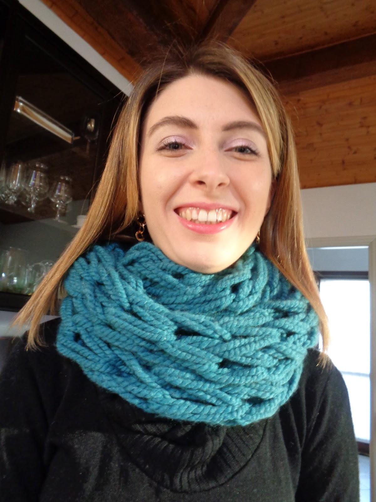 Fare una sciarpa con arm knitting