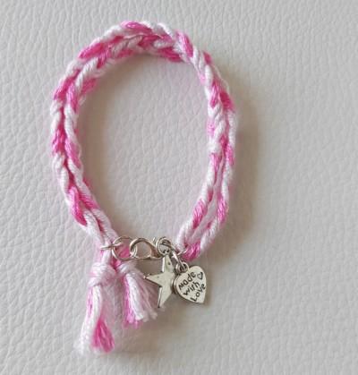 Come fare dei braccialetti con fili di cotone semplici